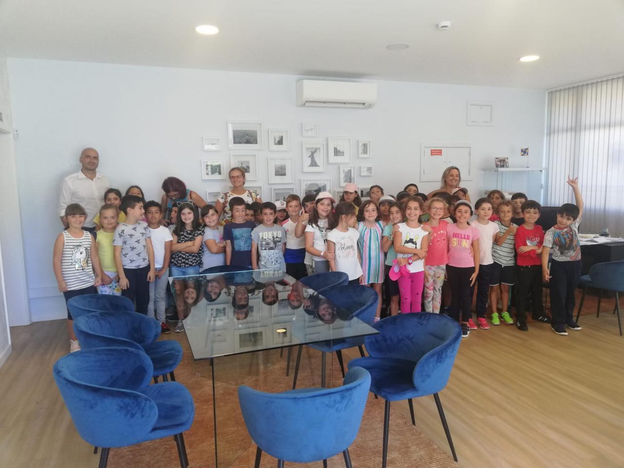 Visita à Junta de Freguesia das Turmas do 3.º Ano da EB 1/PE do Caniço